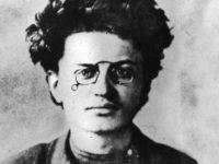 تاريخ الثورة الروسية لتروتسكي – فؤاد محمد شبل