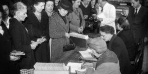 المواقف السياسية للنساء في أوروبا والولايات المتحدة – ماتي دوغان