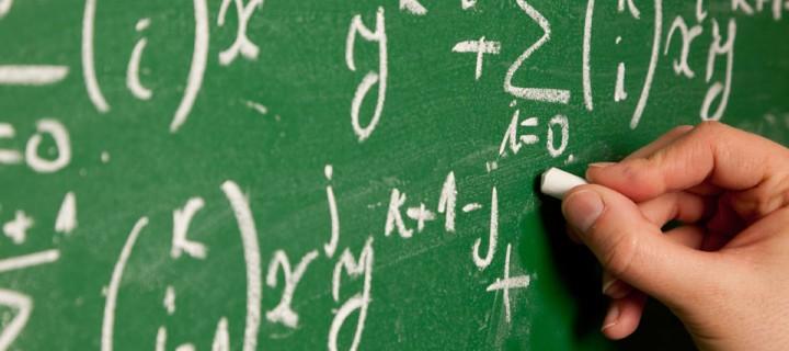 علاقة اللسانيات بالرياضيات: رهانات أم عقبات؟