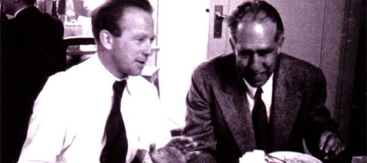 ماذا قال هيزنبرگ لبور عن القنبلة؟ – جيرمي بيرنشتين