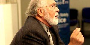 فيديو: سيد حسين نصر ـ ما هو سبب وجود الشر؟ / ترجمة: حسين القطان