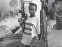المقاتلات في سيراليون: الجنس، الأمن – ميچان ماكينزى / ترجمة: مهيتاب علي