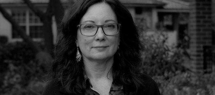 الإشكال في التحدث نيابة عن الآخرين – ليندا مارتين ألكوف / ترجمة: العنود سعد