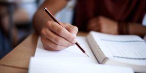 الأزمة في التعليم – حنة آرنت / ترجمة: إسراء المالكي