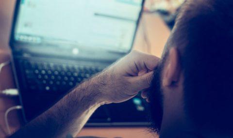 اضطراب إدمان الإنترنت: العلامات والأعراض والعلاج – كريستينا غريغوري / ترجمة: خولة العقيل
