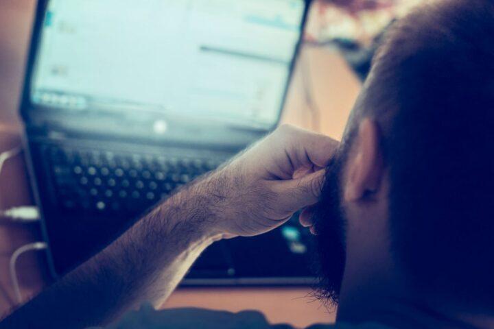 9ba1629c7 اضطراب إدمان الإنترنت: العلامات والأعراض والعلاج – كريستينا غريغوري /  ترجمة: خولة العقيل