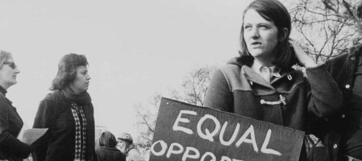 النقد النسوي لليبرالية – ليندا إم. جي. زيريللي / ترجمة: د. سنية نمر ياسين
