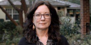 النسوية واليسار: حوار مع ليندا مارتن ألكوف – ترجمة: وضحى الهويمل