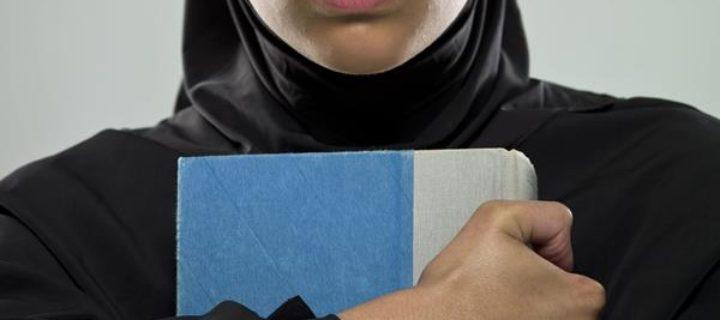 هل ما زلنا (نحن الغرب) نقرأ أكثر من العرب؟ – تفلاين لايلن / ترجمة: حميد يونس