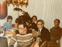 صورة أمُنا البيضاء تجلس على طاولة رجال صينين – جنيفر تسينج / ترجمة: يحيى الشريف