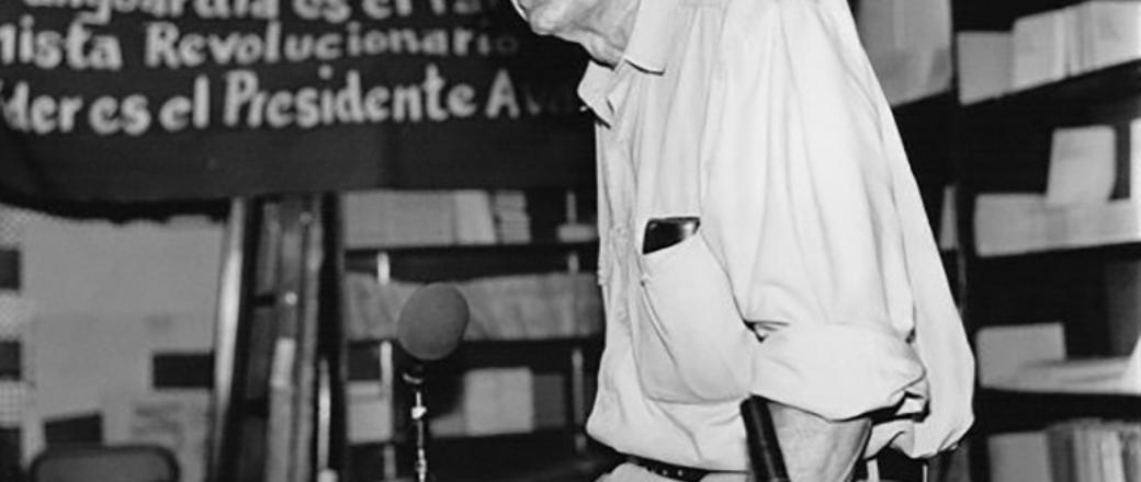 السرية، الأراشيف، والمصلحة العامة: كيف يساهم أهـل المهن والاختصاصات في سياسات التحكّم المجتمعي، وفي الـمحافظة على وضع السلطة الراهن؟ – هاورد زن / ترجمة: يوسف النوخذة