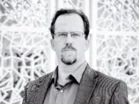 لم يكن أبو حامد الغزالي سببًا في انحدار العلم الإسلامي كما ادّعى نيل ديجراس تايسون – جوزيف لومبارد